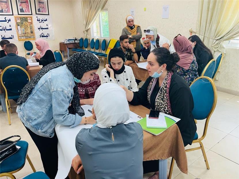الفينيق يختتم جلسات توعية لتحسين اختيارات الشباب لفرص العمل